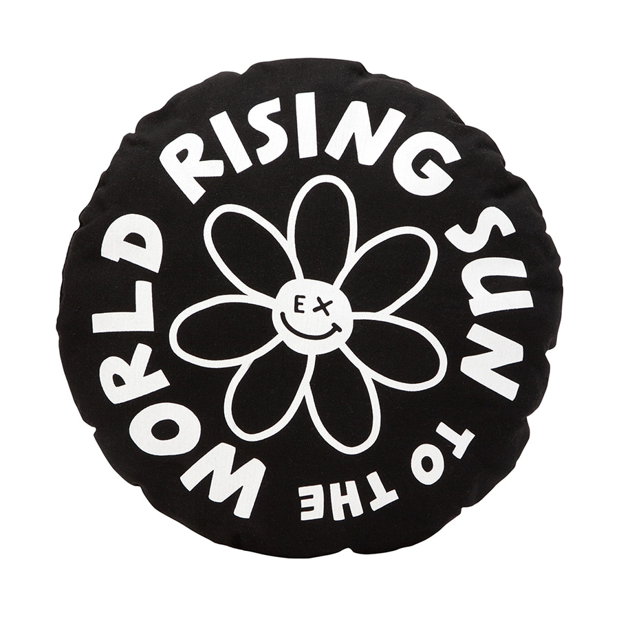 RISING SUN TO THE WORLD クッション 詳細画像 Black×White 1