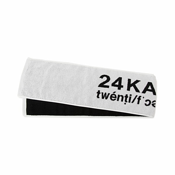 24 STYLE Pennant Towel